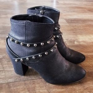 Simply Vera Wang Ankle Boots